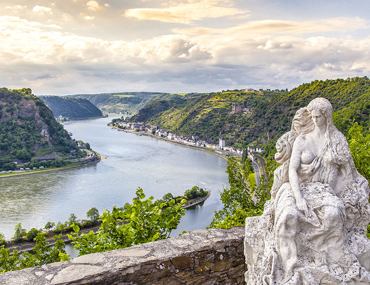 Loreley figure and Rhine valley  Landscape sankt Goarshausen Ger